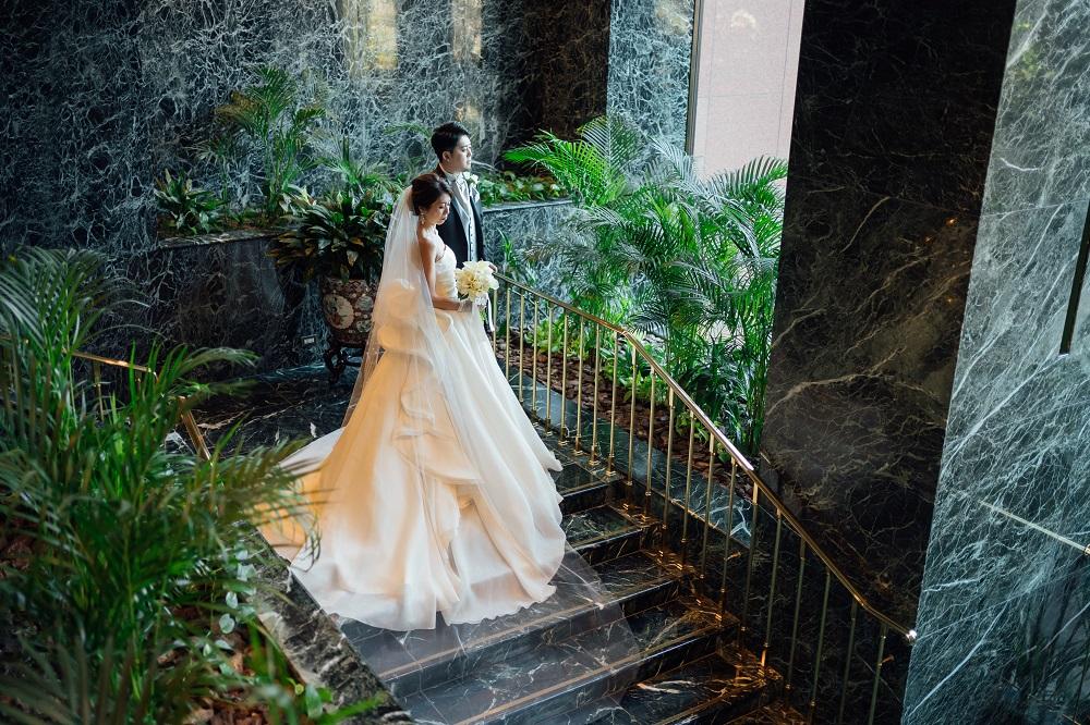 アントニオリーヴァのウエディングドレスを纏った新婦