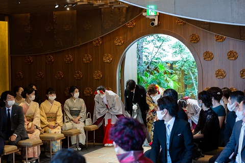 庭園内の神殿「杜乃宮」での結婚式