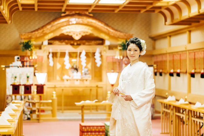 神殿 花嫁