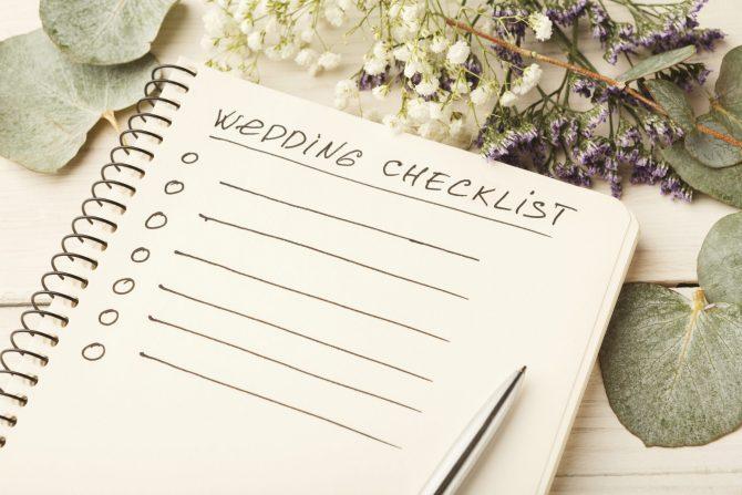 Wedding checklist and cute flowers